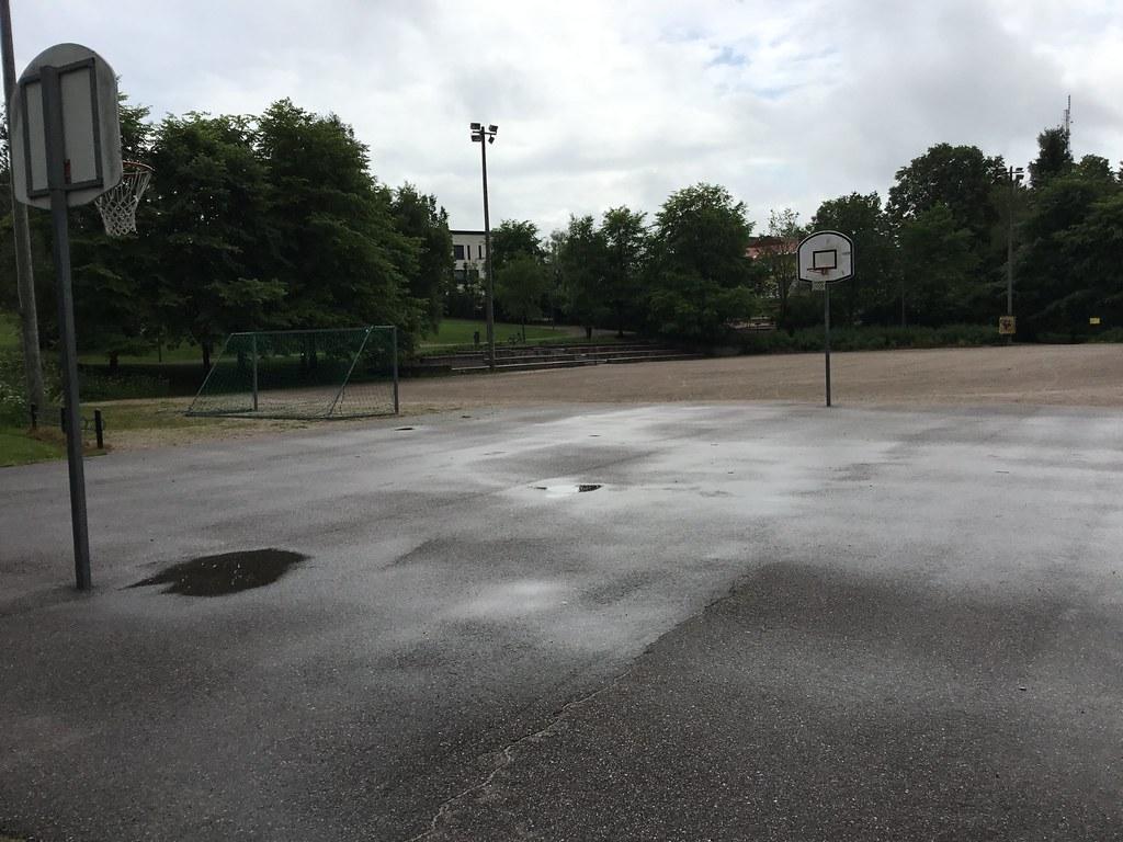 Kuva toimipisteestä: Lakelan koripallokenttä