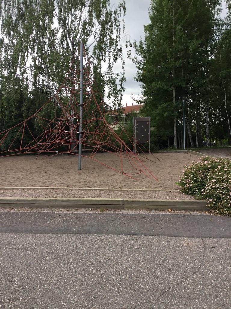 Kuva toimipisteestä: Kilonpuiston koulu / Ulkokiipeilyseinä