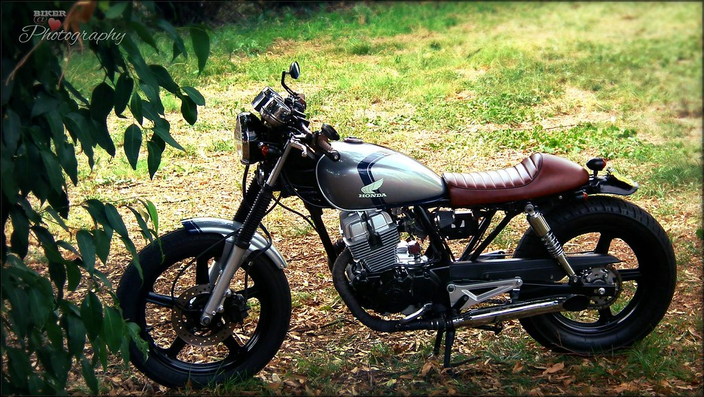 Honda CB250 Cafe Racer Modified