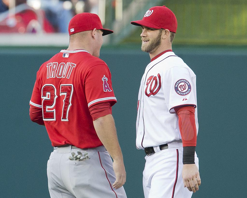 Mike Trout(左)與Bryce Harper。(達志影像資料照)