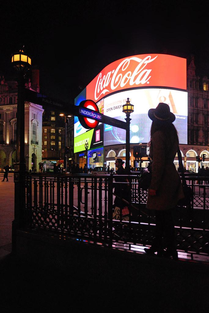 Piccadilly Circus en la noche