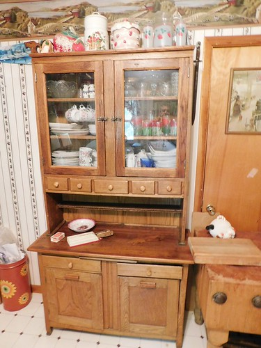 Step back oak kitchen cabinet | by thornhill3