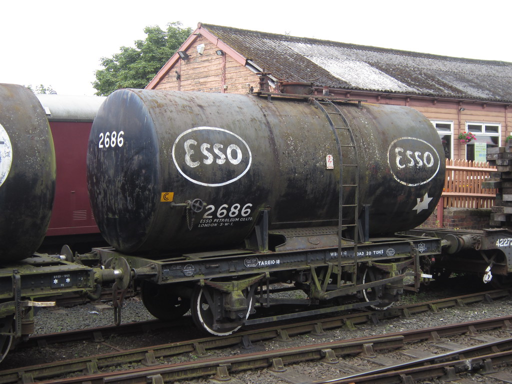 ... IMG_6431 - Esso Class B 20T Anchor-Mounted Tank Wagon 2686 | by  SVREnthusiast