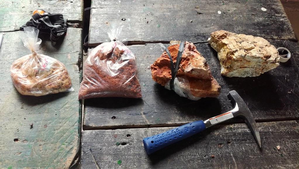 La roca de la derecha es la priedra primaria donde por pro for De donde es la roca
