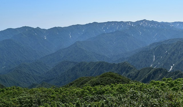 飯豊山の稜線