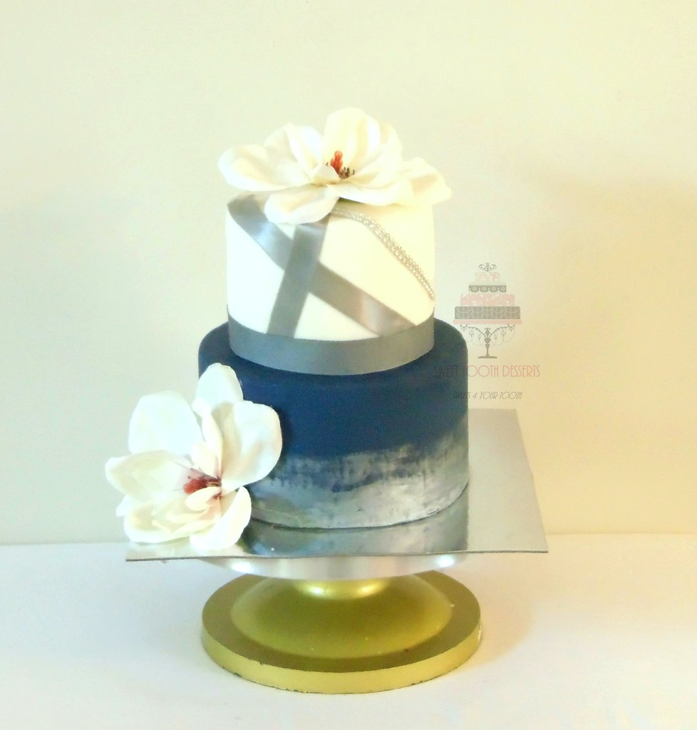 Cream Navy Blue And Silver Wedding Cake 2 Tier 6in And 8 Flickr