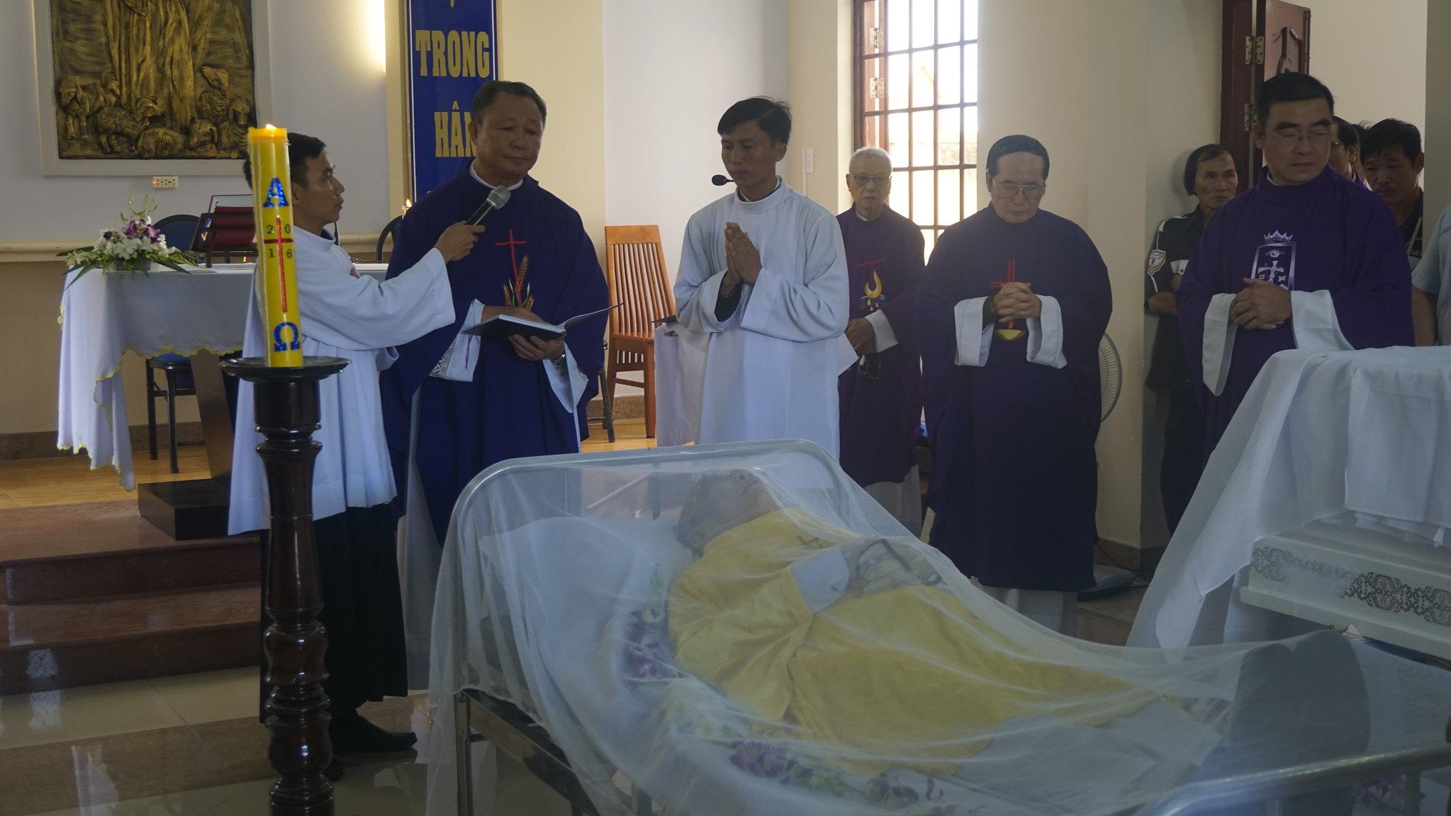 Thánh lễ Tẫn liệm Đức Ông Gioan Baotixita Lê Xuân Hoa