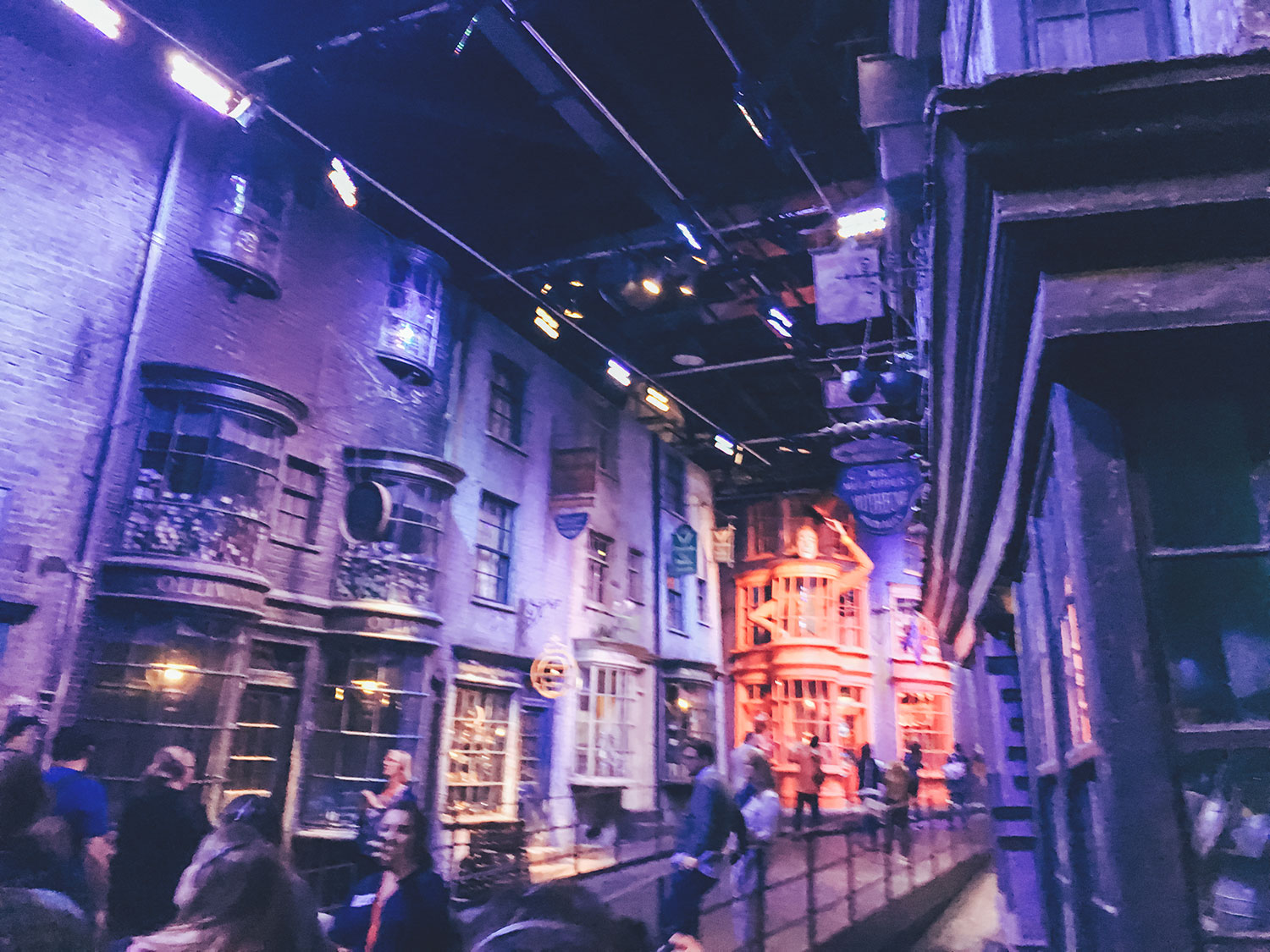 travel blogger, traveling, travel, london, europe, trip, vacation, harry potter, potterhead, harry potter tour, harry potter warner bros tour