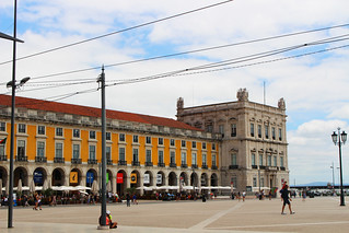 praça do comércio edificios | by blondgarden
