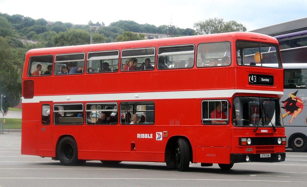 Ribble Motor Services 2101 GFR 101W in Burnley Bus Station ...