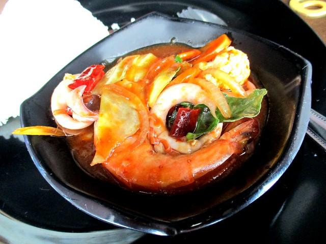 MIA CAFE & RESTAURANT nasi paprik seafood