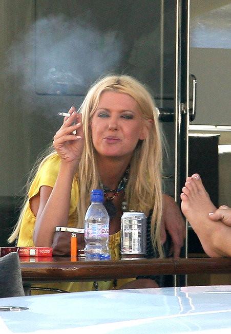 Tara Reid smoking 4 | Tara Donna Reid (born November 8