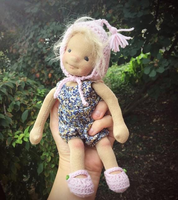 "9"" natural fiber art doll"