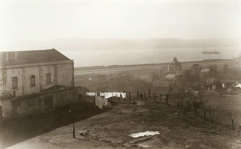 Alto de Santo Amaro. Vista da Junqueira, Lisboa (E. Portugal, 1944)