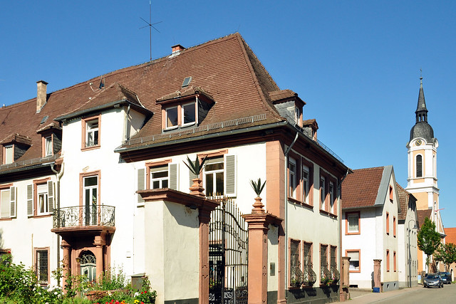 Edinger Schlössl ... Evangelische Kirche in der Hauptstraße ...Garten der ehemaligen Schlosswirtschaft ... Schiffsverkehr auf dem Neckar ... Brigitte Stolle