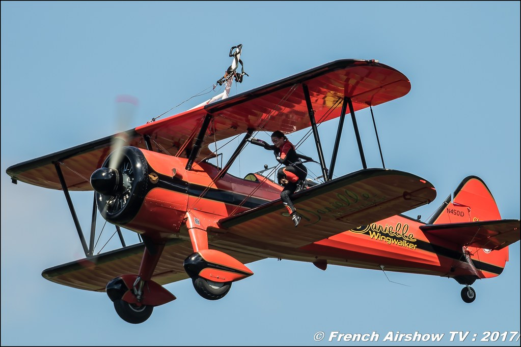 46 Aviation Wingwalker Danielle , REAL Wingwalking 50ans d'Aviation Megeve 2017 - altiport de Megève , Haute-Savoie, Auvergne-Rhône-Alpes