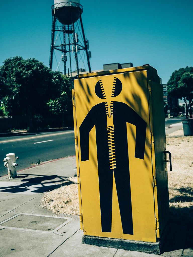 Zipper Man / Hombre Cierre / Homme fermeture éclair | by La Chachalaca Fotografía