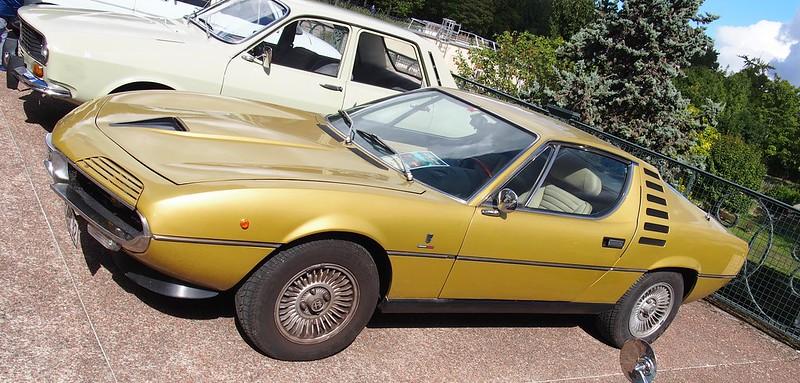 Alfa Romeo Bertone Montreal 1972 - Suresnes (92) Septembre 2017 37266194085_b801e515dd_c