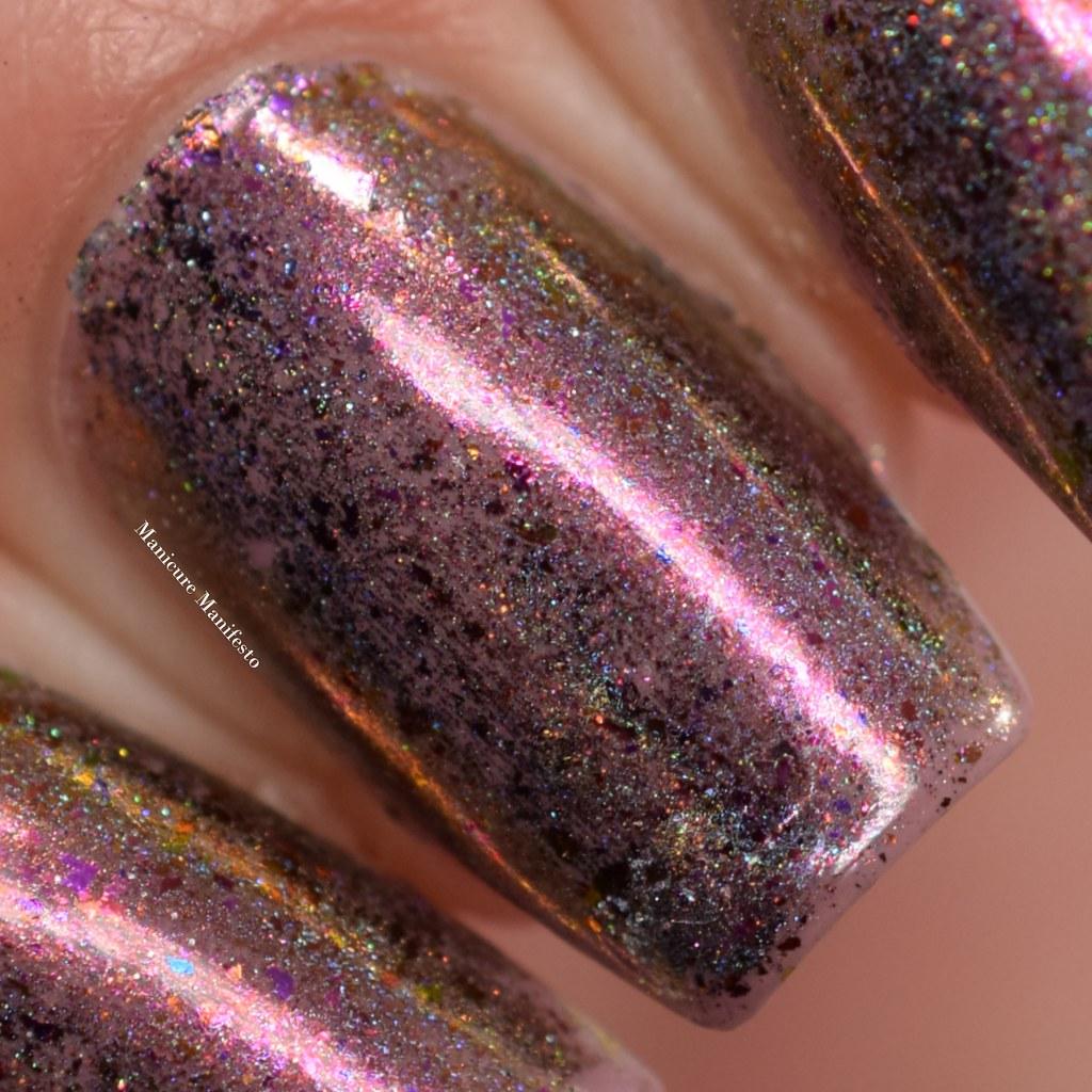 Chameleon Holo nail art flakes