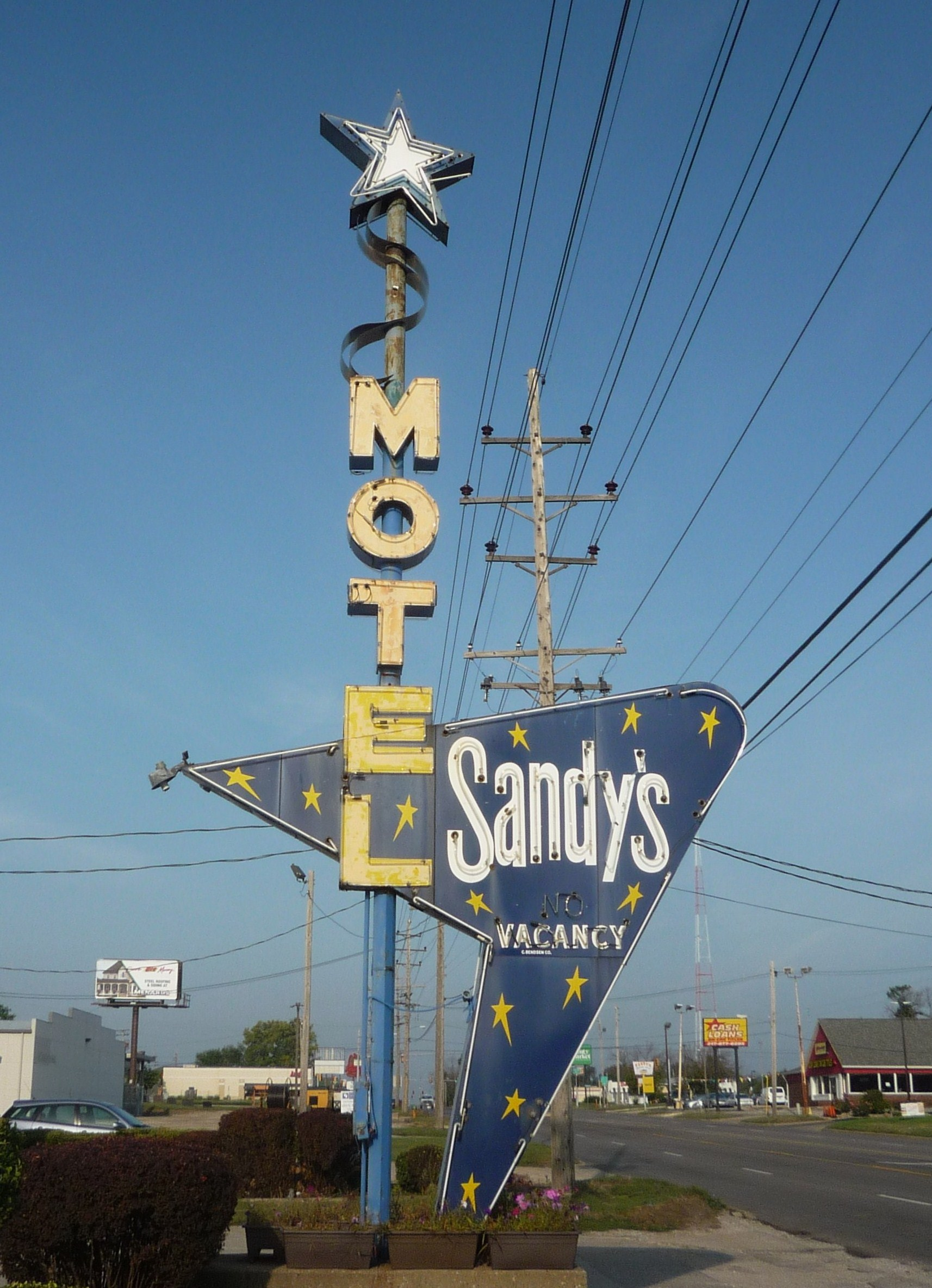 Sandy's Motel - 1675 East Pershing Road, Decatur, Illinois U.S.A. - September 2, 2017