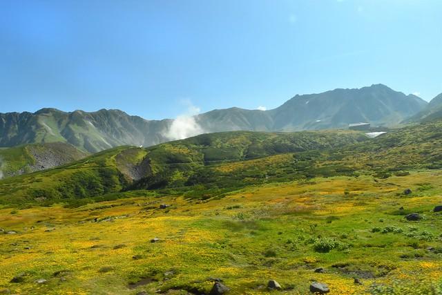 弥陀ヶ原と立山連峰