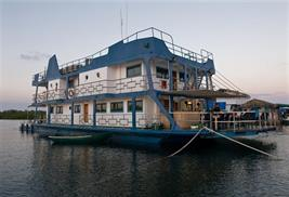 Tortuga barco buceo Cuba
