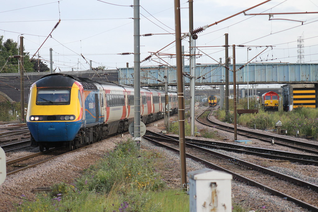 On Hire To Vec Sees 43061 Arriving Into Peterborough Stati Flickr