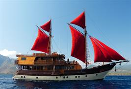 Barcos de buceo vida a bordo en Indonesia