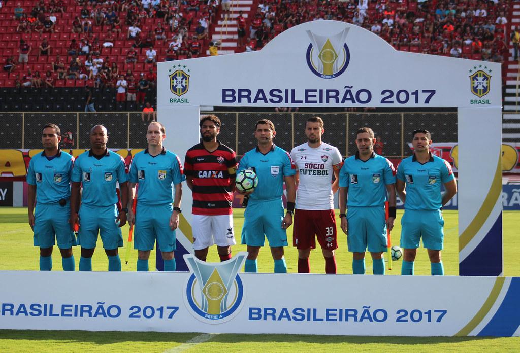 ... BRASILEIRÃO - Vitória x Fluminense  92ef1657e088b