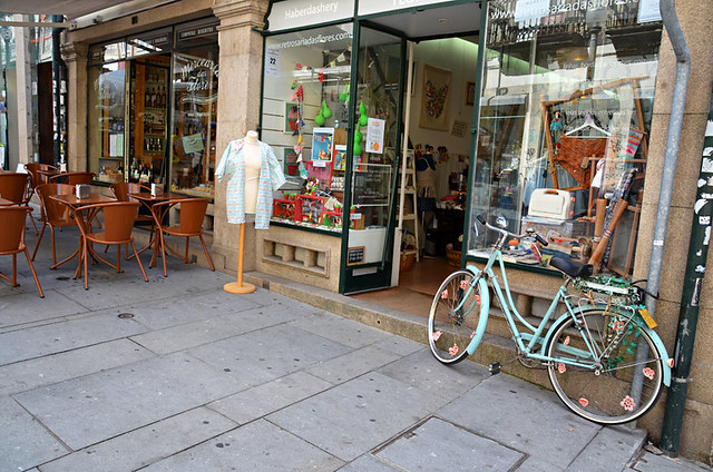 Indie shops on Rua das Flores, Porto