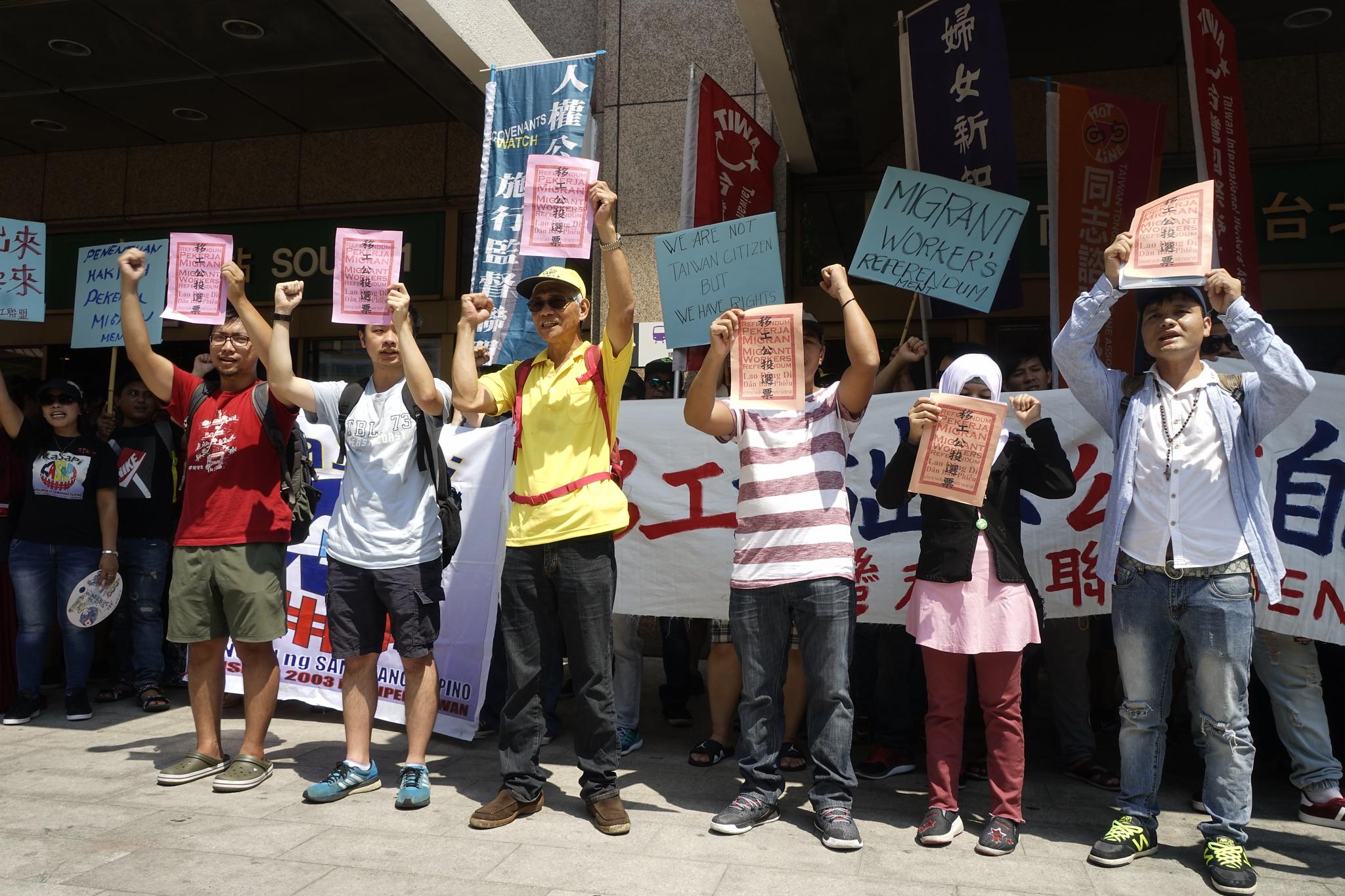 台灣移工聯盟也邀請各國、各產業移工代表,以及台灣的學生、雇主與工會代表,前來參與投票。(攝影:張宗坤)