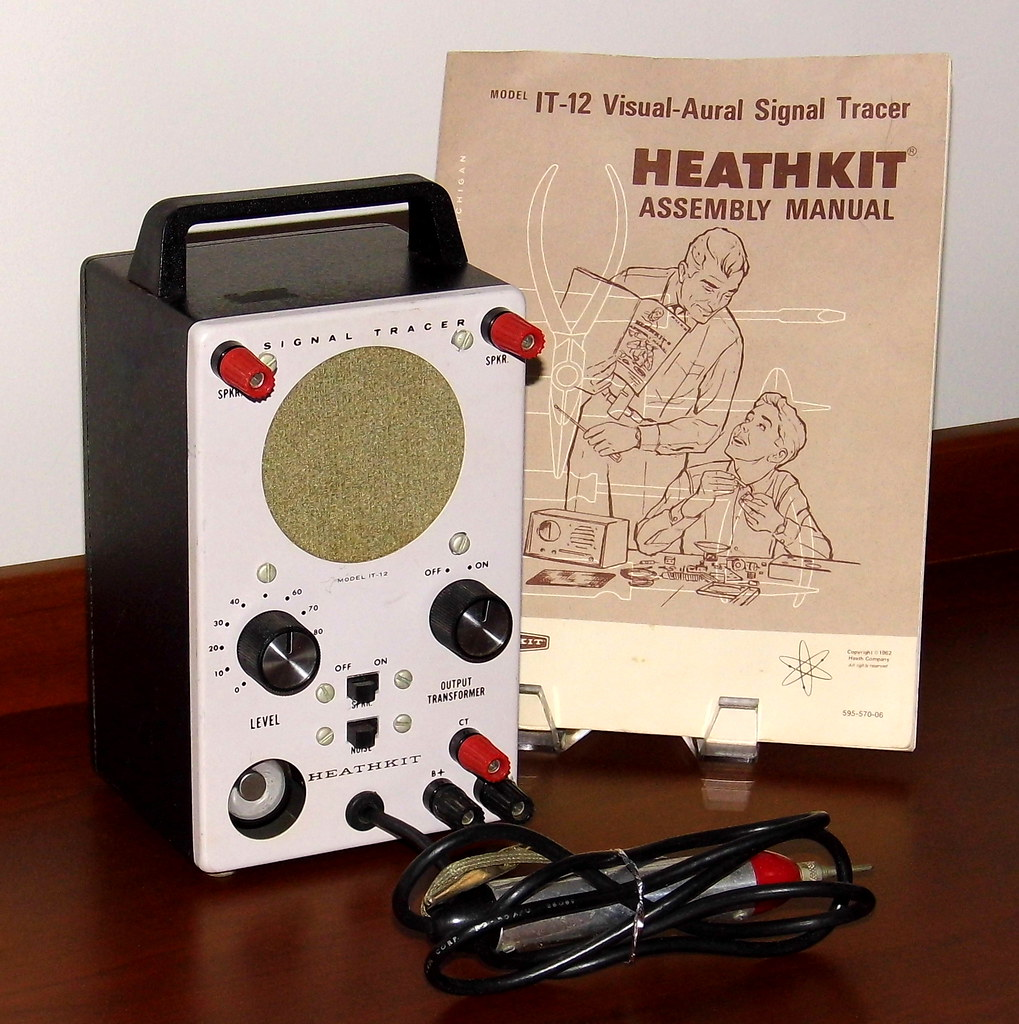 ... Vintage Heathkit Visual-Aural Signal Tracer, Model IT-12, 3 Vacuum Tubes