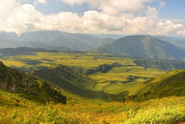 稜線から見渡す大日平と弥陀ヶ原