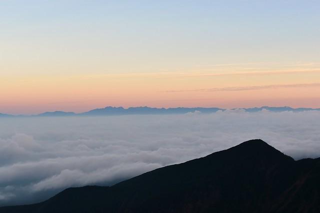 八ヶ岳から眺める雲海と北アルプス