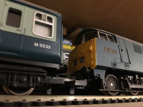 "2017 (Day 223 - 11th Aug): Lima Class 52 ""Western"" OO-gauge model locomotive and BR Mark I model coach 