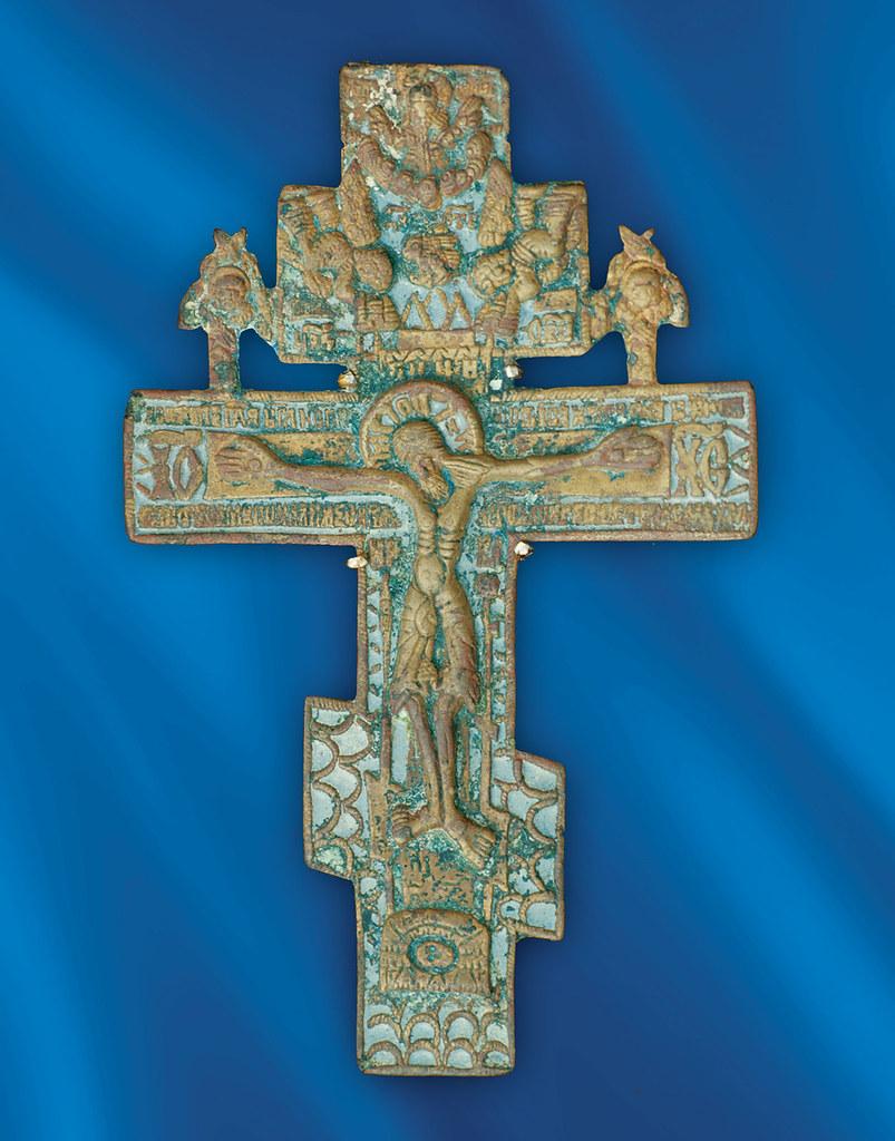 Крест преподобного Иоанна — благословение матери, — находящийся ныне на святых мощах преподобного