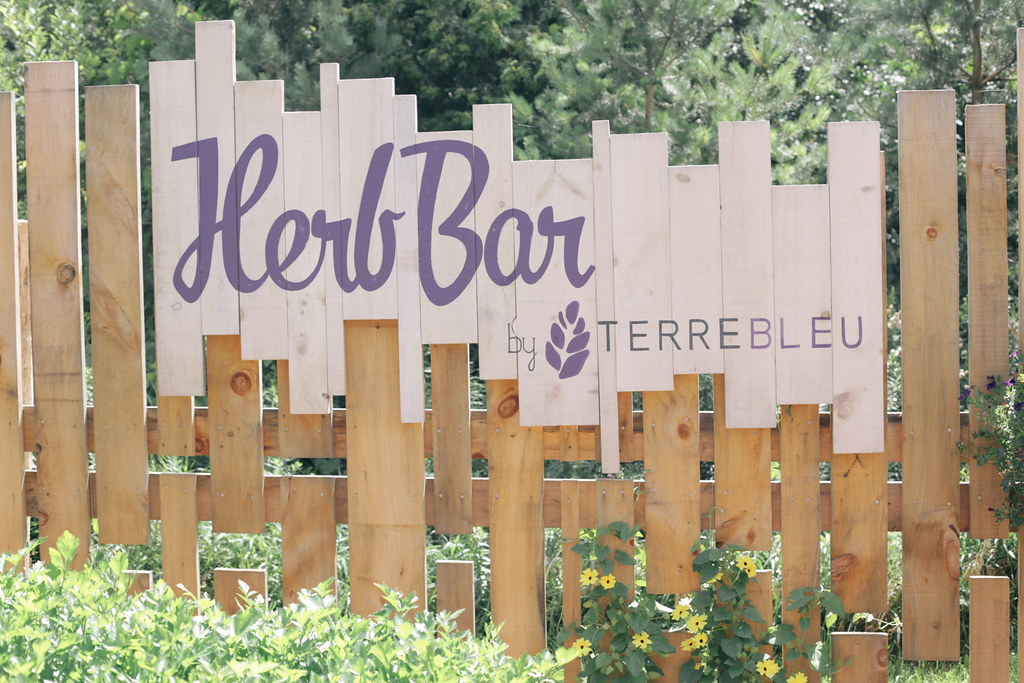 herb bar terre bleu lavender fields