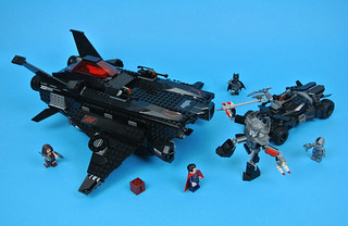 Review: 76087 Flying Fox: Batmobile Airlift Attack