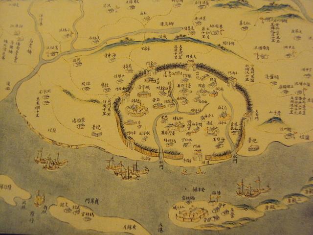 《乾隆台灣輿圖》還可看見鯽魚潭尚未潰堤前的地理情勢