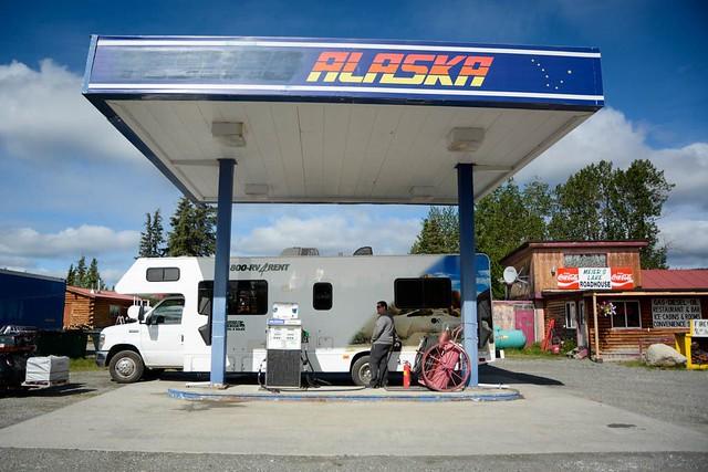 Gasolinera en Alaska (repostando la autocaravana)