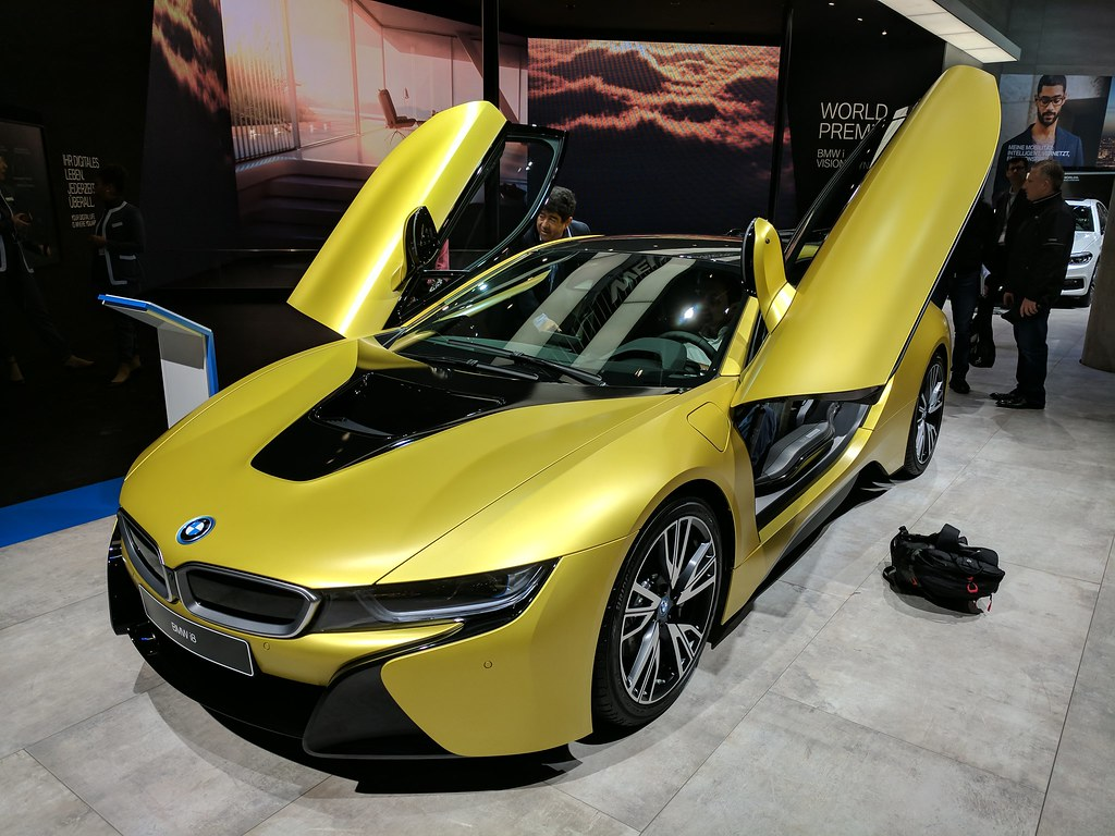 Bmw I8 Yellow Gold Iaa When Using These Images You Mus Flickr