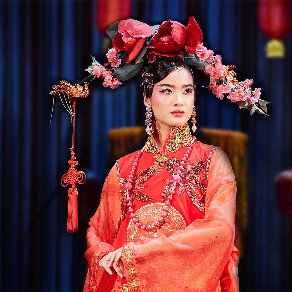 Cheryl Tan as the Young Yehenara | Photo Credit: Singapore Repertory Theatre