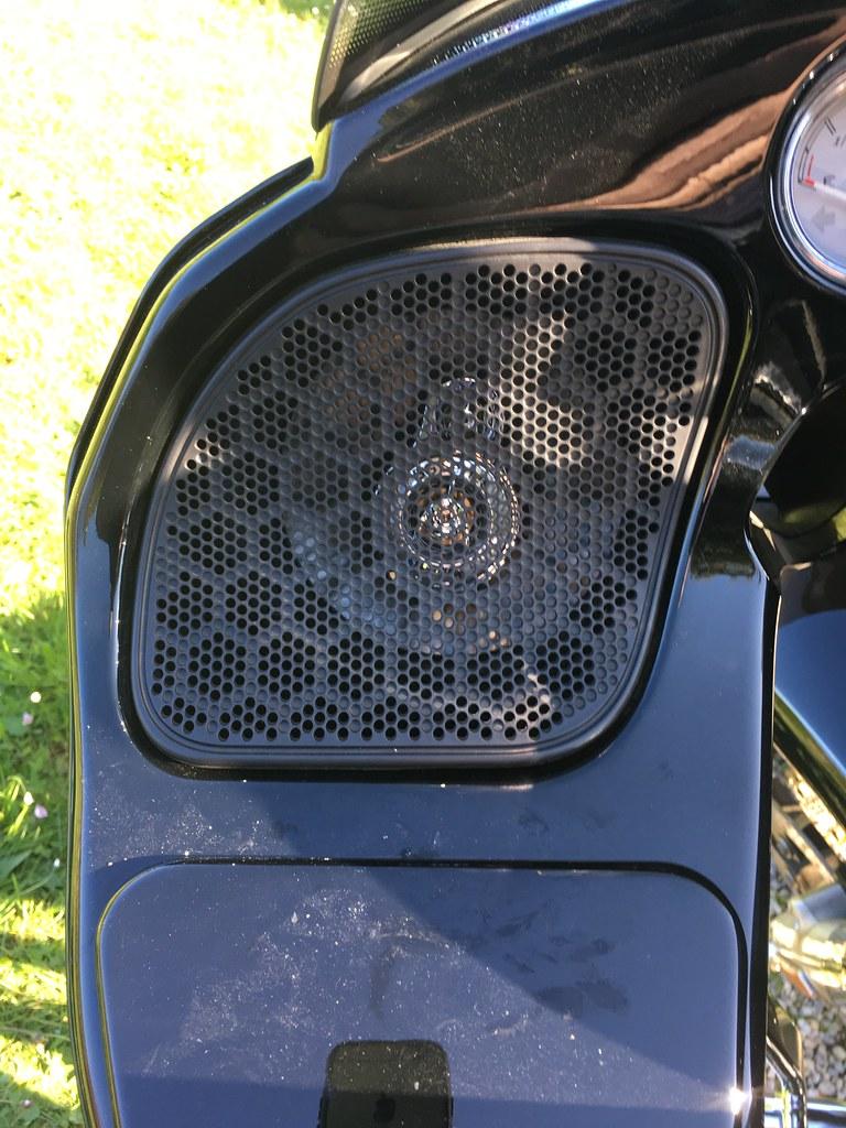 Changer les hauts-parleurs sur un Road Glide / tutoriel 37110501640_65cb21863c_b