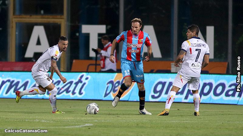 Giovanni Marchese in azione contro il Lecce nella scorsa stagione