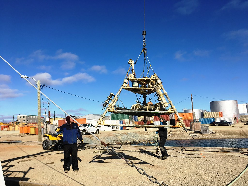 Recovering the Cambridge Bay underwater platform | The ONC t