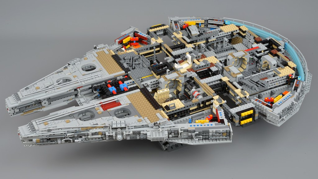 Millennium Falcon: Construction | Brickset: LEGO set guide and database
