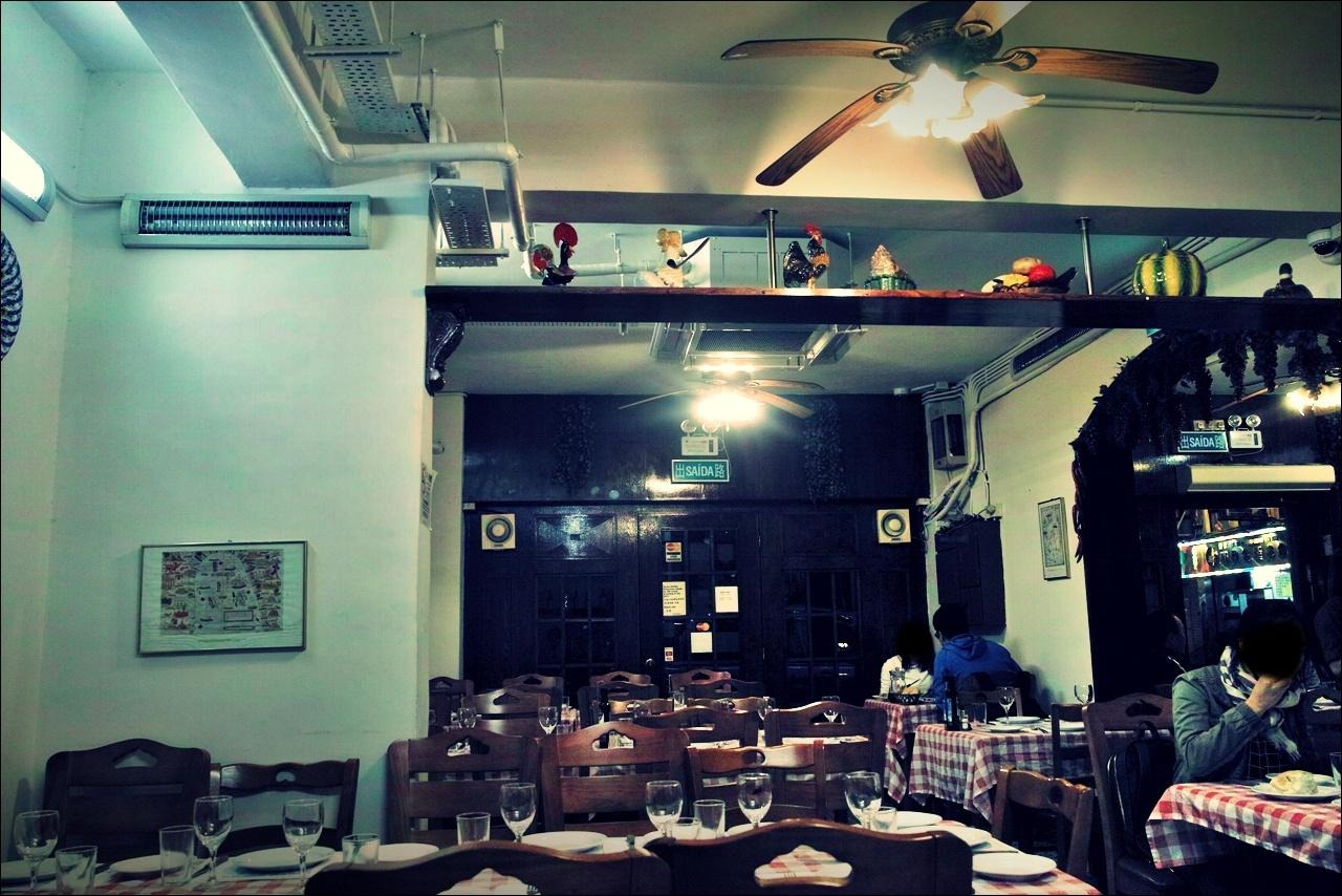내부-'아 페치스케이라 포르투칼 음식점(A Petisqueira Portuguese Restaurant, Taipa, Macau)'
