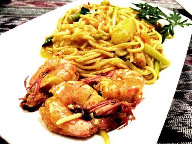 Payung Cafe belimbing prawns spaghetti 1