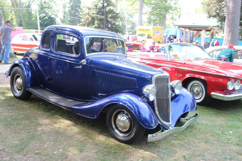 Olcott Classic Car Show