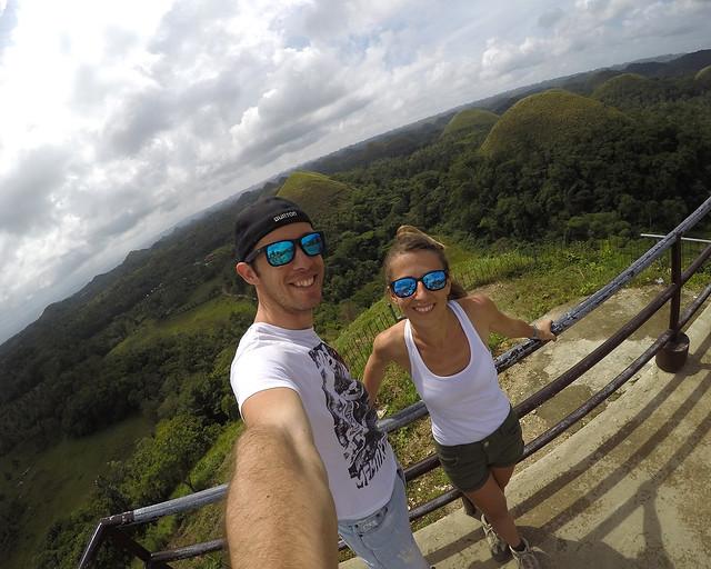 Frente a las colinas de chocolate de Bohol